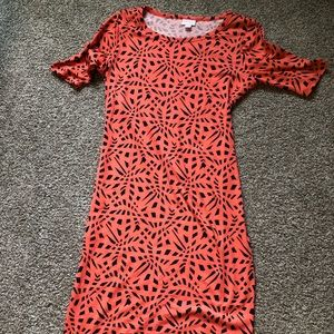 LuLaRoe Dresses - Like new coral and navy Julie